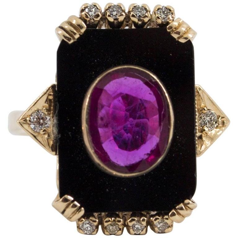 1.98 Carat Ruby Onyx Diamond Yellow Gold Cocktail Ring