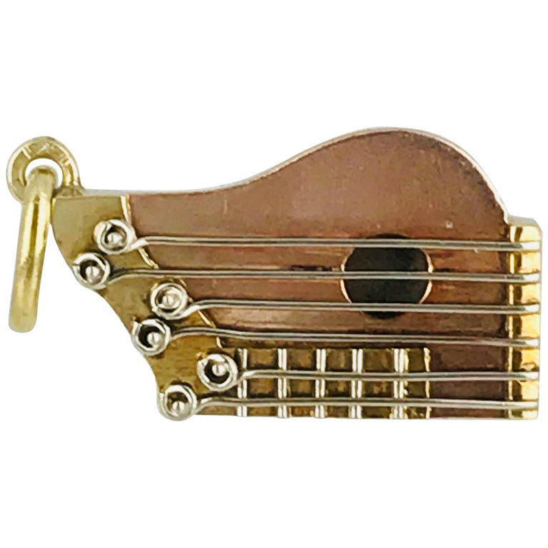 Zither Musical Instrument, Charm, 18 Karat Yellow Gold with White Strings, Rare