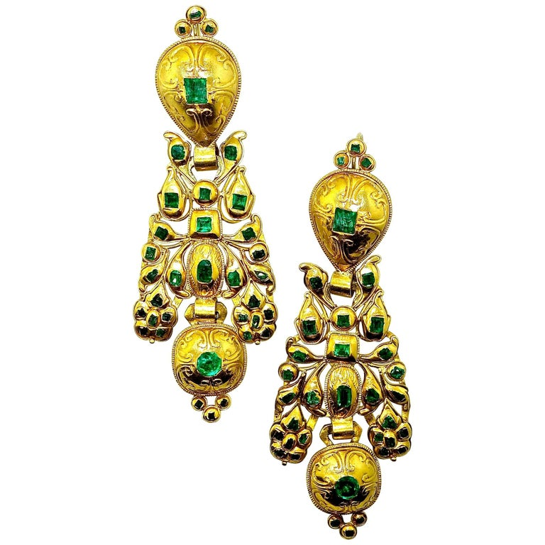 Colombian Emerald and Gold Earrings
