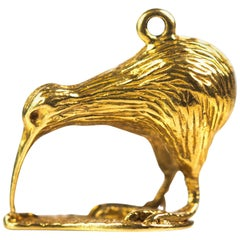 1950s Wading Bird Charm Pendant, 18 Karat Yellow Gold