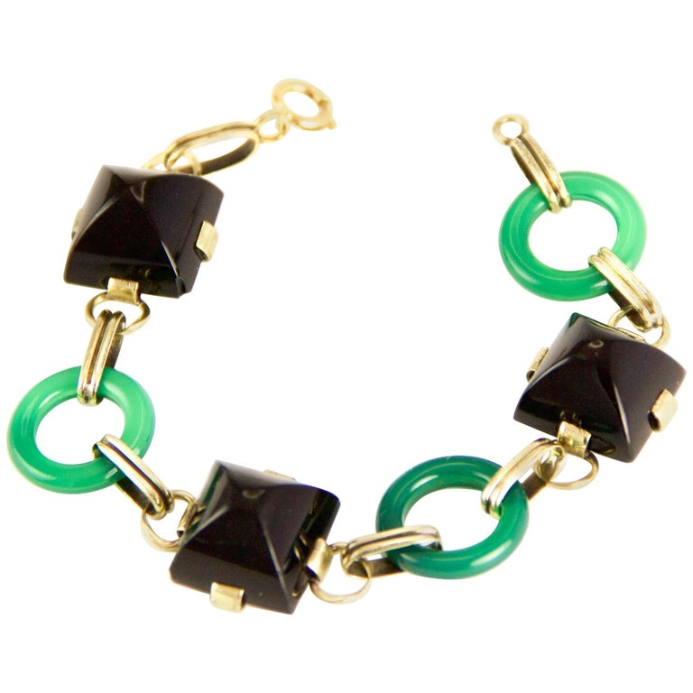 14 Karat Chrysoprase and Onyx Art Deco Bracelet For Sale