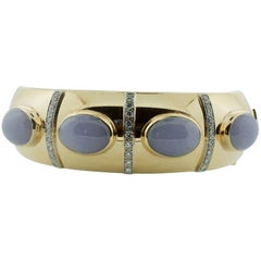 Lavender Jade and Diamond Bangle Bracelet in Yellow Gold