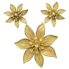 Flower Brooch and Earring Set in 18 Karat Yellow Gold and Diamonds