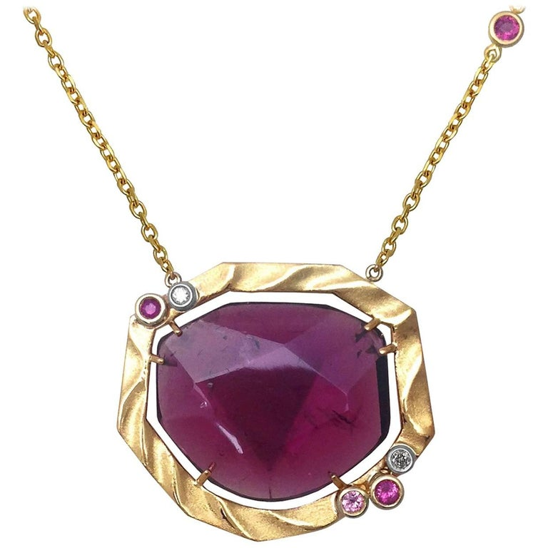 Golden Sweetbriar Pendant Featuring a Pink Tourmaline and 18 Karat Yellow Gold For Sale