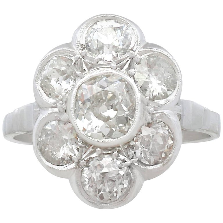 1940s French 2.92 Carat Diamond and Platinum Cluster Ring