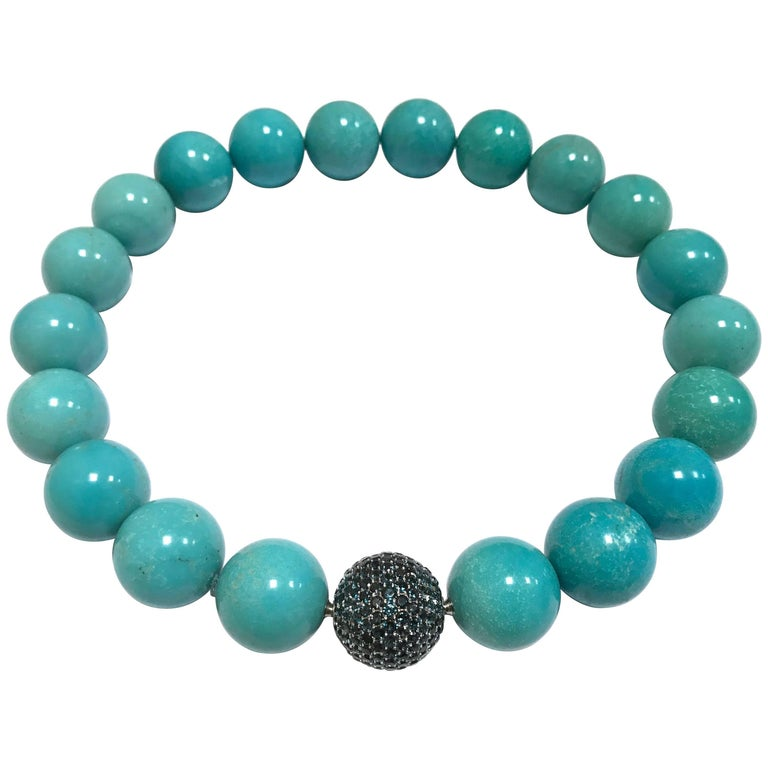 Turquoises and White Gold Topaz Clasp Beaded Necklace