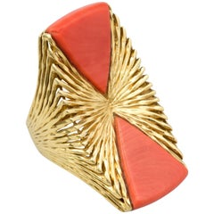 Kutchinsky, London, 1970s Coral and Textured Gold Cocktail Ring