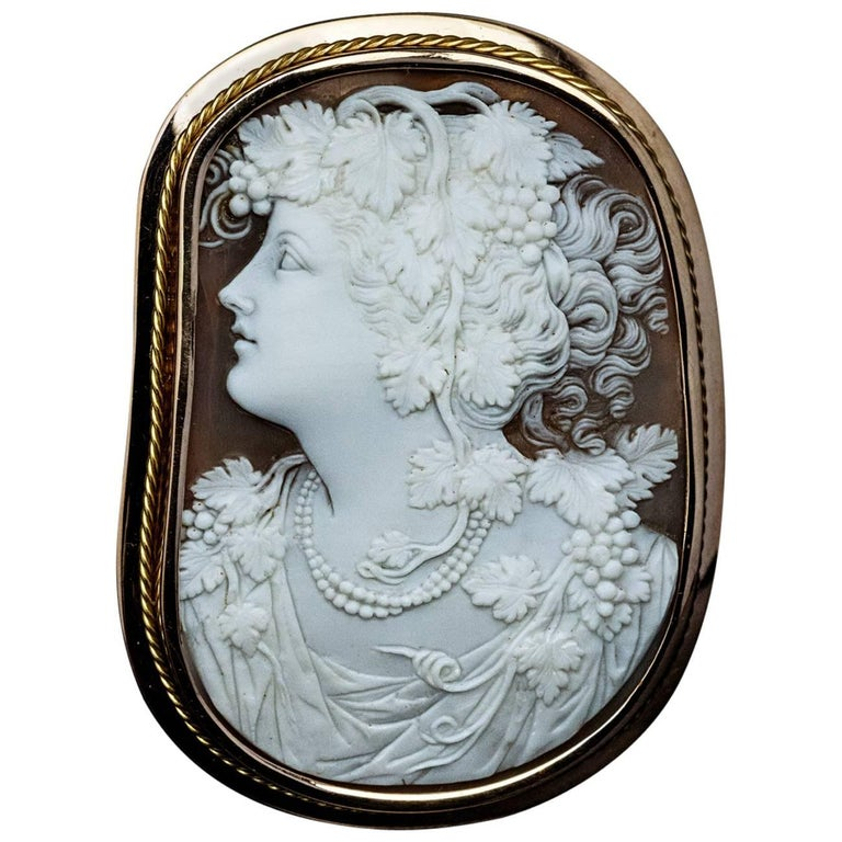 Belle Époque Antique Shell Cameo Gold Brooch