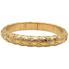 18 Karat Yellow Gold and Diamond Cuff Bracelet, Star Motif
