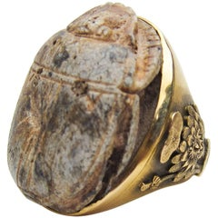 Victorian Egyptian Revival Carved Scarab 18 Karat Gold Cocktail Ring