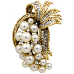 Retro 14 Karat Yellow Gold Pin Set with 17 Akoya Pearls