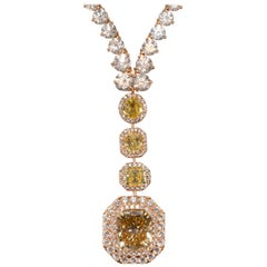 30.41 CaraT Diamond Radiant Cushion Round Gold Necklace Pendant
