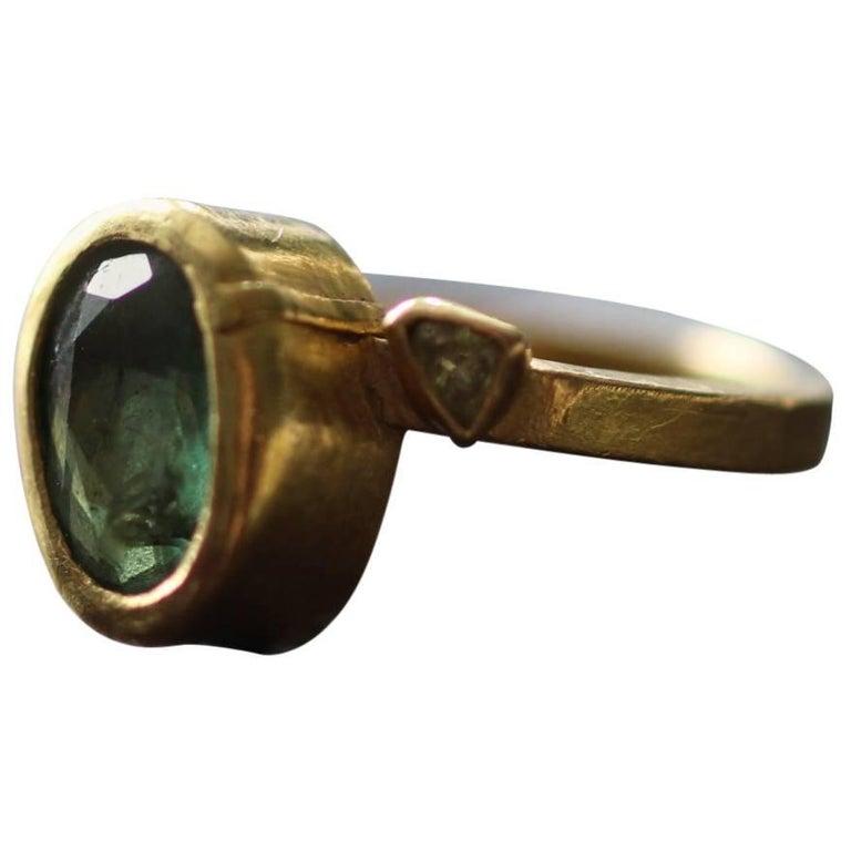 Contemporary 2.3Ct Russian Demantoid Garnet Yellow Diamonds 22K Gold Bridal Three-Stone Ring For Sale