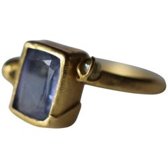 Tanzanite Diamond Briolettes 22Karat -21K Gold Three-Stone Fashion Ring