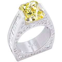 """Etoile du Printemps: ""   White Gold Ring With Fancy Yellow Diamond"