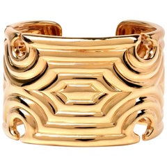 1970s Chic Wide 18 Karat Gold Bangle Cuff Bracelet