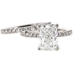Radiant Cut Diamond Engagement Ring in Platinum