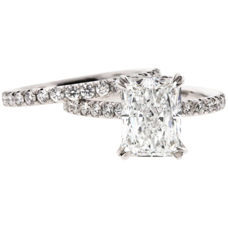 Radiant Cut Diamond Engagement Ring in Platinum For Sale