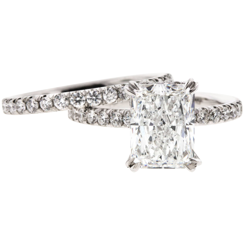 Radiant Cut Diamond Engagement Ring in Platinum