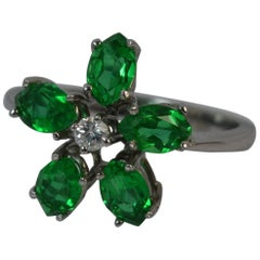 Emerald and Diamond 18 Carat White Gold Daisy Cluser Ring