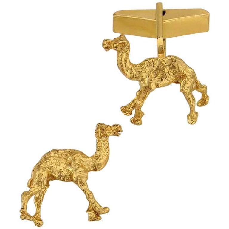 Camel Cufflink in Sterling Silver with 18 Karat Gold Vermeil