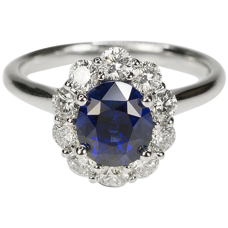 No Heat Sapphire and Diamond Gold Ring For Sale