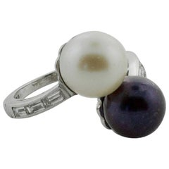 Platinum Black and White Pearl Crossover Ring, circa 1930s
