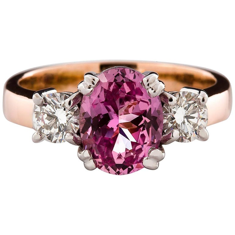 Kian Design 18 Carat Three Stones Certified Oval Pink Sapphire and Diamond Ring For Sale