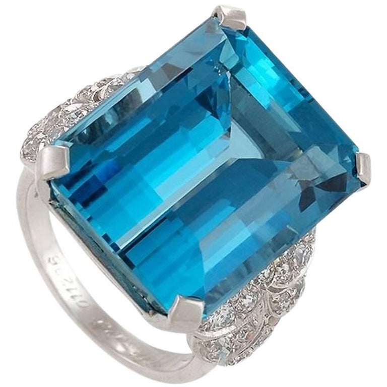 English 1960s Aquamarine Diamond and Platinum Ring