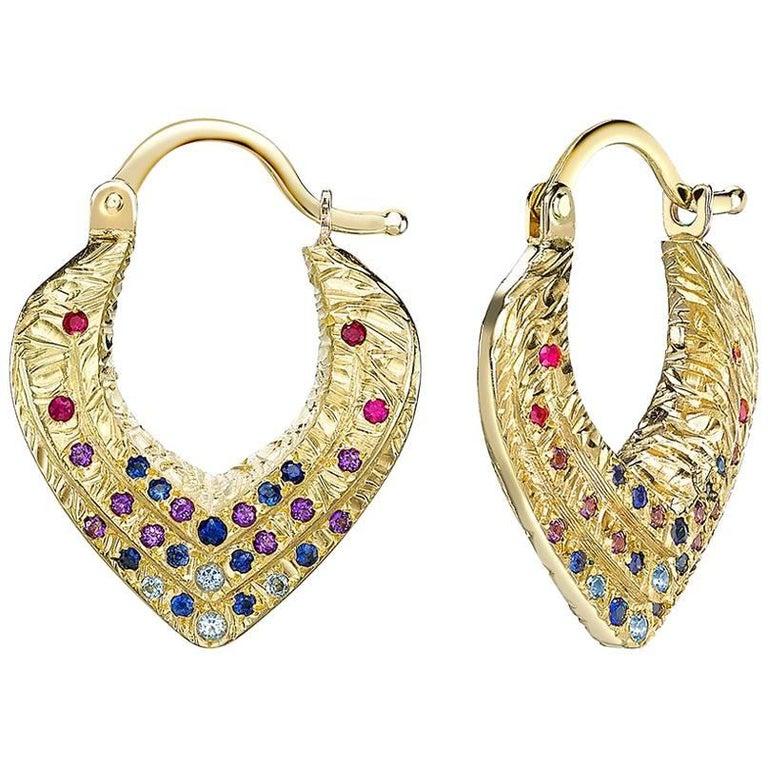Venyx 18 Karat Gold Sapphire Amethyst Colored Stone Bear Paw Heart Earrings For Sale