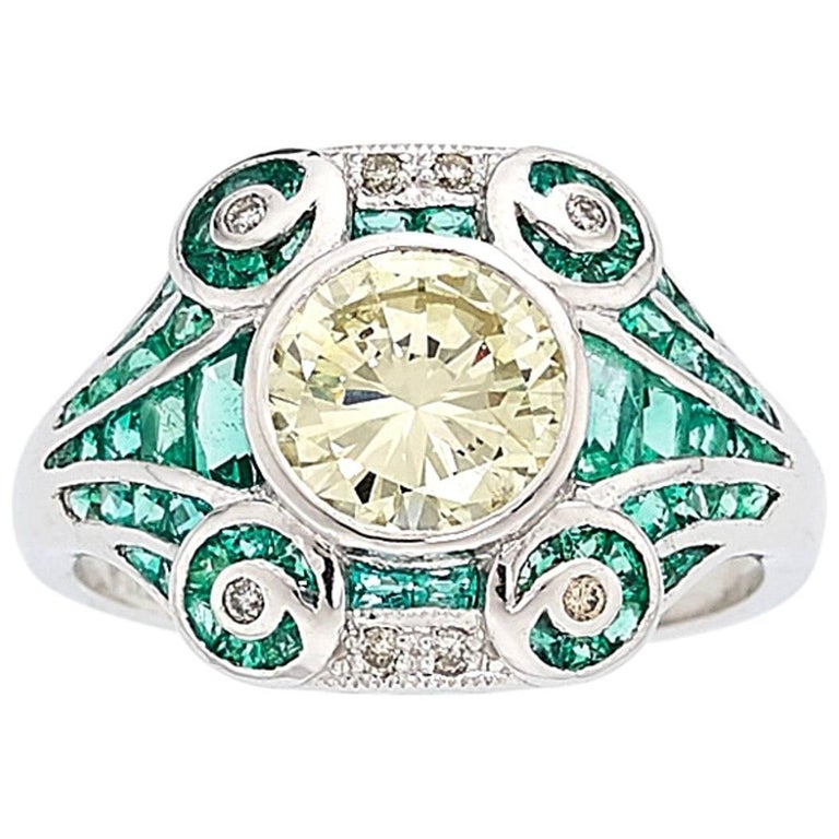Natural Yellow Diamond and Emerald Ring For Sale