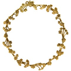 1978 Stuart Devlin, London, Gold Stylized Floral Collar