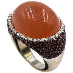 Modern Diamond Chalcedony 18 Karat White Gold Statement Ring