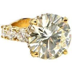 12.71 Carat Round Cut GIA Certified Diamond Engagement Ring 18 Karat Yellow Gold