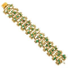 Emerald Hammered 18 Karat Gold link Bracelet