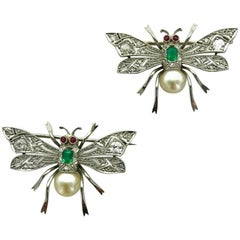 1920s Art Deco Pair of Bee Emerald Diamond Pearl Platinum Clip Brooch