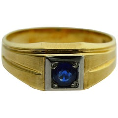 Art Deco N.O.S. Blue Stone Ring 10 Karat Solid Gold Ring, circa 1930s