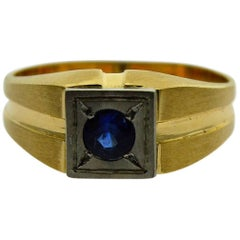 14 Karat Yellow Gold Art Deco Ring with a Sapphire