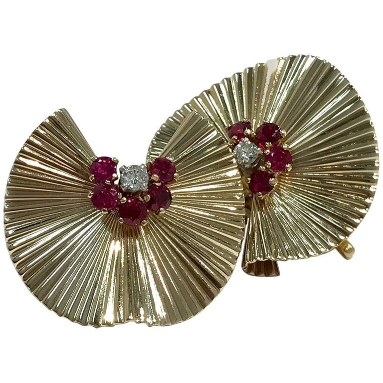 Retro/Vintage Gold Fluted Fan Diamond and Ruby Earrings