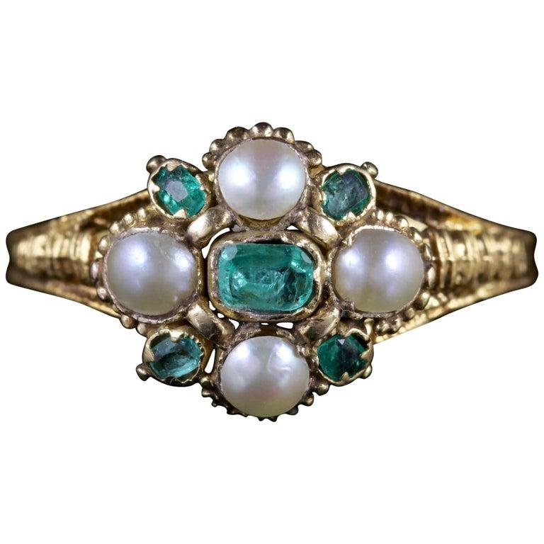 Antique Georgian Emerald Ring 18 Carat Gold Pearl, circa 1800