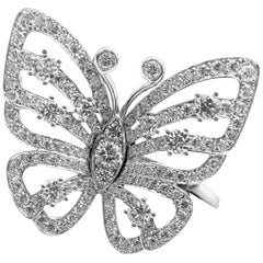 Van Cleef & Arpels Diamond Flying Butterfly Between Finger White Gold Ring