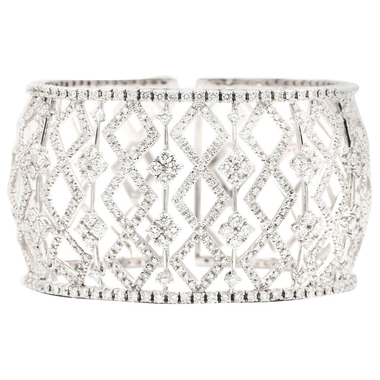 10.20 Carat of White Diamond Cuff/Bracelet in 18 Karat White Gold