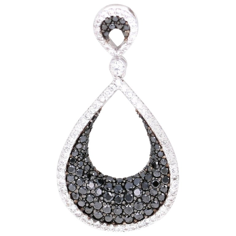 2.05 Carat Black Diamond White Diamond White Gold Pendant