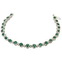 Emerald Diamond 18 Karat White Gold Bracelet 4.20 Carat Diamonds and Emeralds