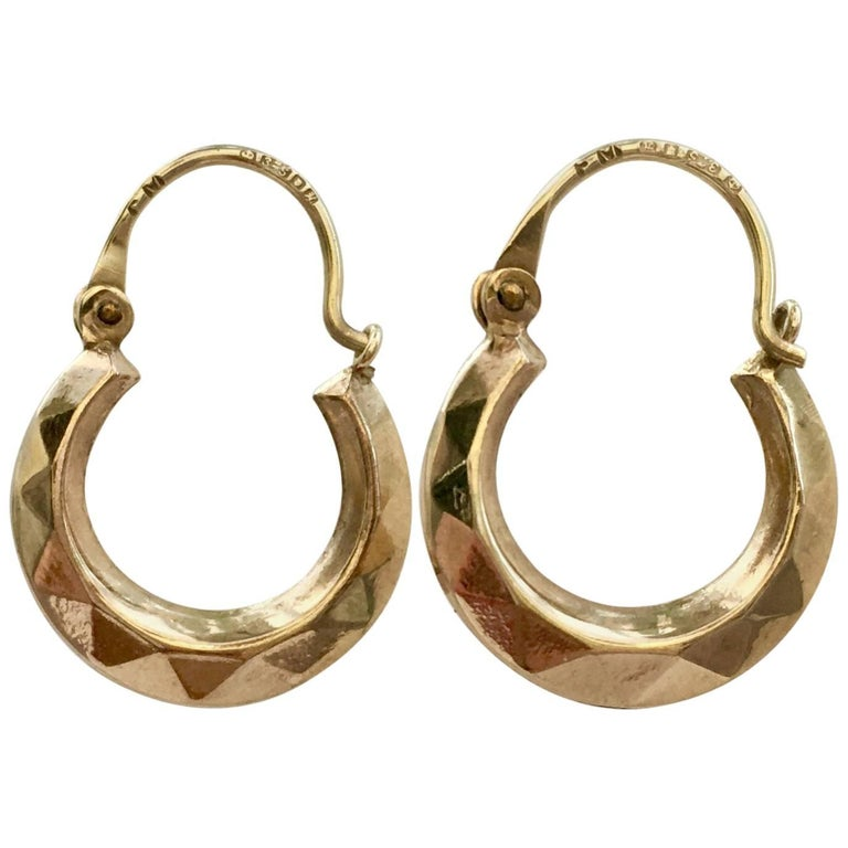 Small Vintage Hoops Faceted Moulded 9 Carat Yellow Gold Dainty Earrings, 1980s