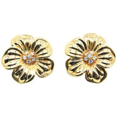 Van Cleef & Arpels Yellow Gold Diamond Flower Earclips