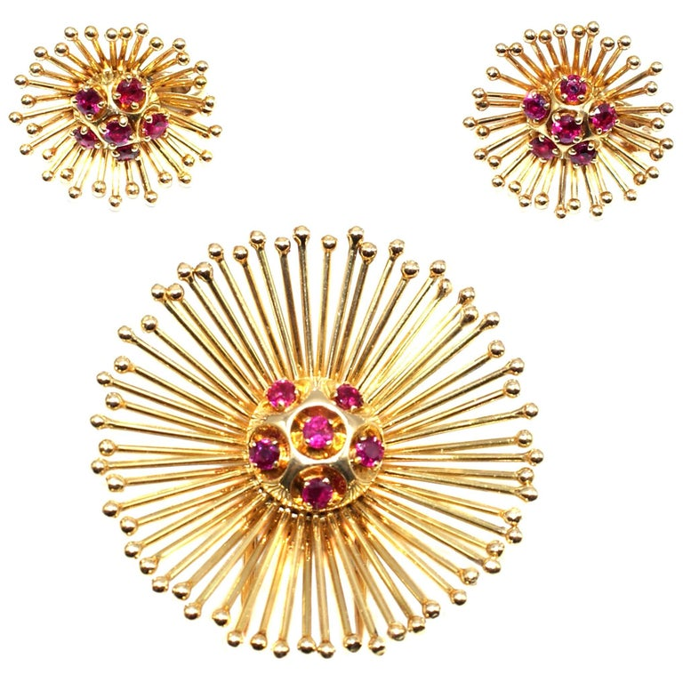 Cartier Paris Retro Yellow Gold Ruby Starburst Earring Brooch Clip Set For Sale