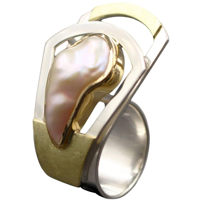 Janis Kerman, Crossover Pearl Ring Sterling Silver, 18 Karat Gold, Pearl
