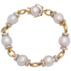 1980s South Sea Baroque Pearl with Diamond Rondelles Fancy Gold Link Bracelet