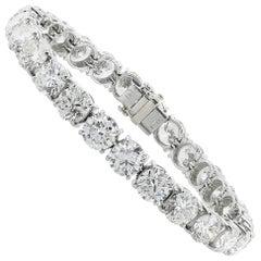 18 Karat White Gold 10.00 Carat Diamond Tennis Bracelet